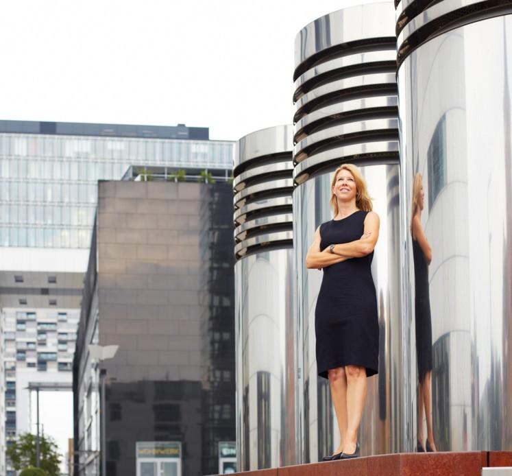 Ökonomin Anja Karlshaus lehrt an der Cologne Business School