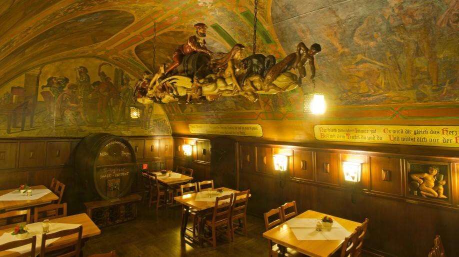 Leipziger sagen: Wer nicht in Auerbachs Keller Quarkkeulchen probiert hat, der war nicht in Leipzig.