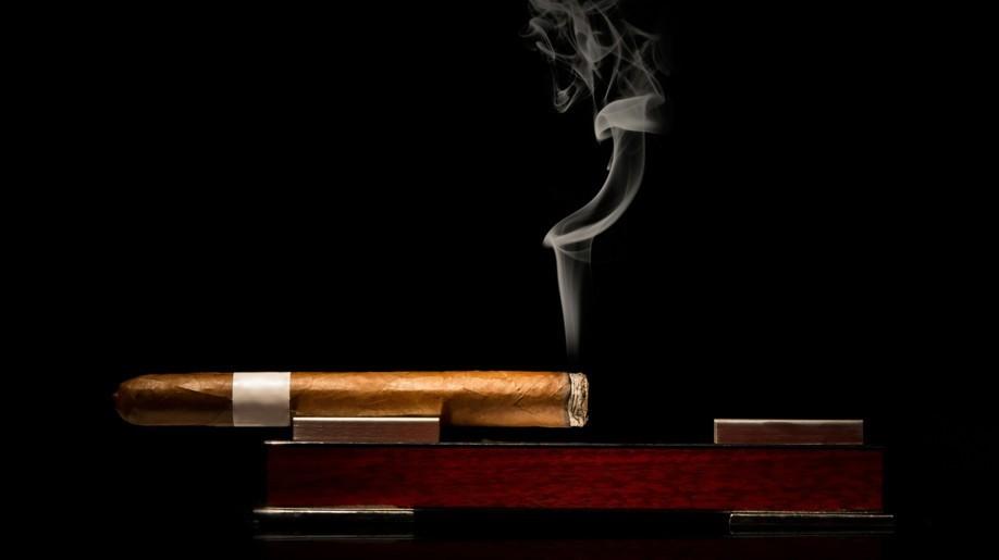 Im Tabak Kontor Leipzig fühlen Genussraucher sich wohl.