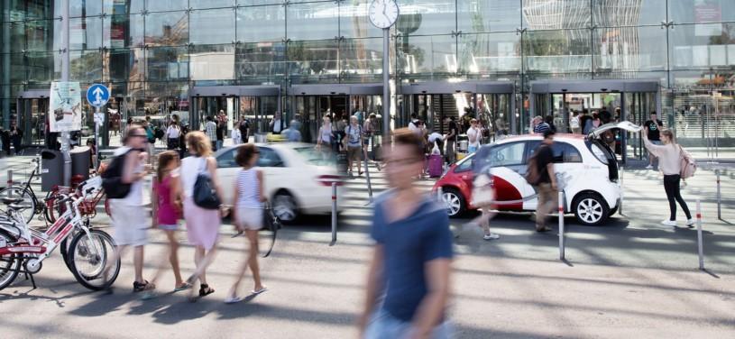 Die Geschäftsreise der Zukunft kombiniert mehrere Verkehrsmittel und bringt den Reisenden schnell, nachhaltig und qualitativ hochwertig von Tür zu Tür.